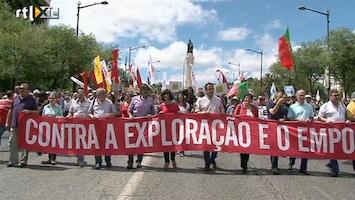 RTL Nieuws Portugezen demonstreren tegen bezuinigingen