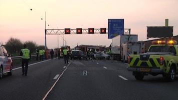 RTL Nieuws Flinke file door ongeluk A12