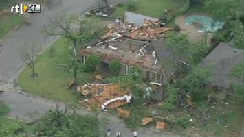 RTL Nieuws Tornado's houden huis in Texas