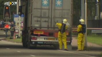 RTL Nieuws Vrachtwagen lekt zoutzuur