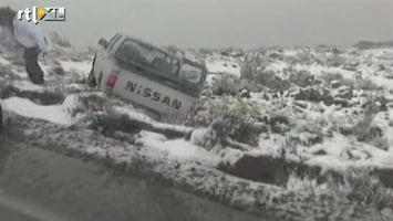 RTL Nieuws Pakken sneeuw in droogste woestijn
