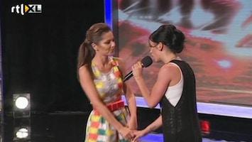 Het Beste Van X Factor Worldwide - Cheryl Cole Helpt Iemand De Auditie Door