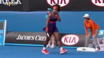 Editie NL Au! Serena mept tegen eigen lip
