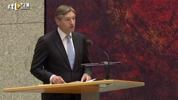 RTL Nieuws Buma zingt Dennie Christian in Tweede Kamer