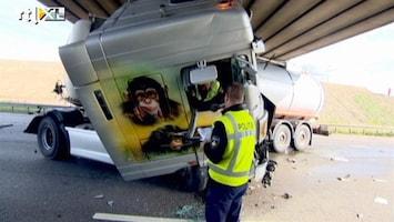 RTL Nieuws Ravage na twee ongelukken A15