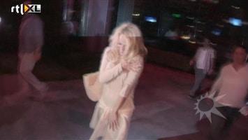 RTL Boulevard Dronken Pamela Anderson verlaat restaurant