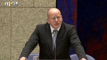 RTL Nieuws Teeven wil aanblijven als staatssecretaris