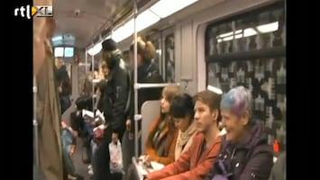 Editie NL Slappe lach in heel de metro