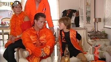 RTL Boulevard Voetbal kijken met familie De Munk