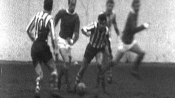 "De Beste Voetballers Ooit - De Beste Voetballers Ooit ""bobby Charlton"""