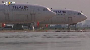 RTL Nieuws Vliegveld Bangkok dicht na overstromingen