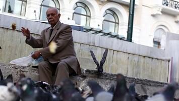 RTL Nieuws 'Griekse bezuinigingen raken pensioenen hard'