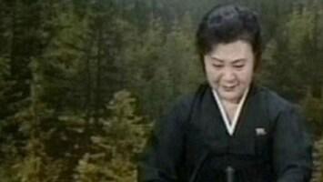 RTL Nieuws Aangeslagen nieuwslezer meldt dood Kim Jong-Il