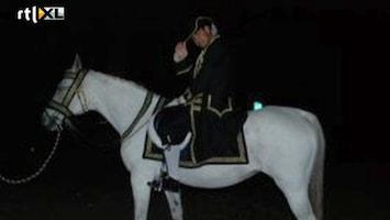 De Weddingcrasher - Het Ultieme Aanzoek: Als Prins Op Het Witte Paard
