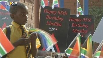 RTL Nieuws Zuid-Afrika viert feest: Mandela is 95 jaar