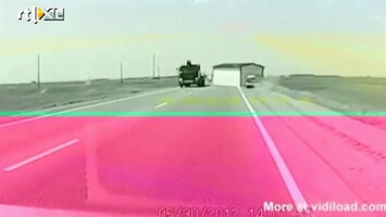 Editie NL Vrachtwagen verliest huis