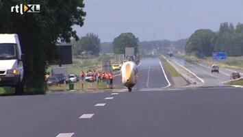 RTL Nieuws Fietsrecord op snelweg