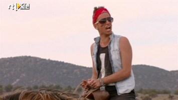 Echte Meisjes Op De Prairie - Gio Gaat Los Op Een Paard
