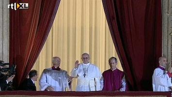 RTL Nieuws Ontspannen Paus bij eerste publieke optreden