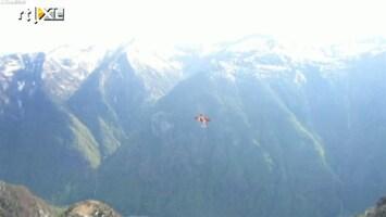 RTL Nieuws Spectaculaire vliegoefening in de Alpen