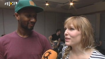 RTL Boulevard Hadewych Minis gaf borstvoeding tijdens opname single