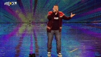 Het Beste Van Got Talent Worldwide Tony verbroedert de juryleden