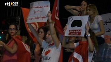 RTL Nieuws Massaal protest in Tunesië