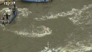 RTL Nieuws Helikopter stort in water New York