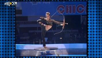 Het Beste Van Got Talent Worldwide Slangenmeisje Lilia schiet recht in de roos