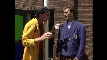 Ernst, Bobbie En De Rest - Koeien Melken