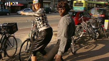 Britt & Ymke En Het Mysterie Van ... De make-over van Kleine Viezerik