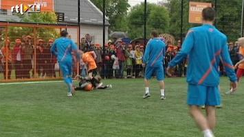 RTL Nieuws Nederlands Elftal opent Cruyff Court in Polen