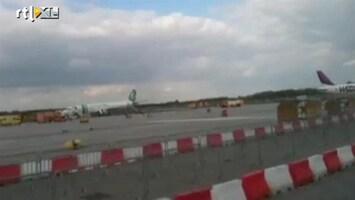 RTL Nieuws Vliegtuig in brand op Eindhoven Airport