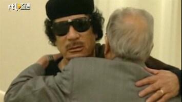 RTL Nieuws Khadaffi springlevend op staats-tv
