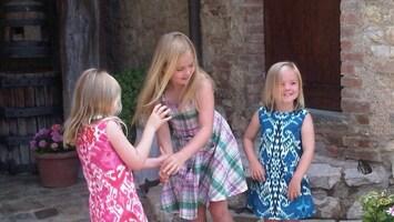 RTL Nieuws Prinsesjes trappen lol op vakantie