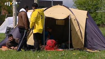 RTL Nieuws Asielzoeken bouwen tentenkamp in Ter Apel