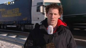 RTL Nieuws Verslaggever: Veel vrachtauto's geschaard