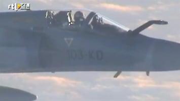 """RTL Nieuws """"Vet gaaf, die F16's naast het vliegtuig"""""""