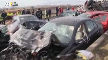 RTL Nieuws Kettingbotsing van 28 auto's in Griekenland