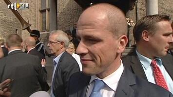 RTL Nieuws Samsom dommelt weg tijdens troonrede
