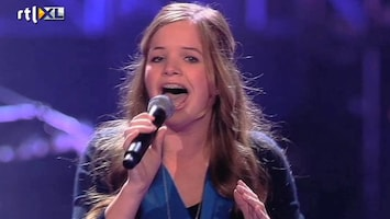 The Voice Kids Sing off Emma - Cry