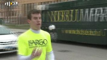 RTL Nieuws Jongleur doet halve marathon met ballen