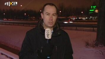 RTL Nieuws Dik pak sneeuw zorgt voor slippartijen en overlast
