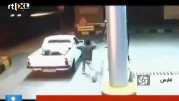 Editie NL Doodeng: auto ontploft opeens