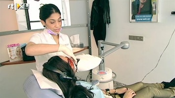 Modemeisjes Met Een Missie Eénmaal witte tanden graag!