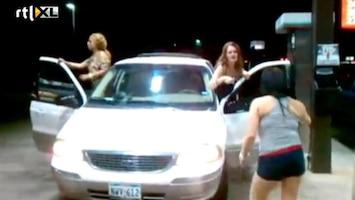 Editie NL Ordinaire bitchfight tussen 3 vrouwen