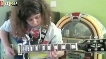 Editie NL Gaaf! meisje speelt briljant gitaar