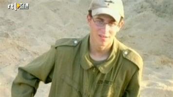 RTL Nieuws Hamas laat Israëlische militair vrij