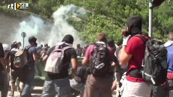 RTL Nieuws Meer dan 100 gewonden bij protest Italië