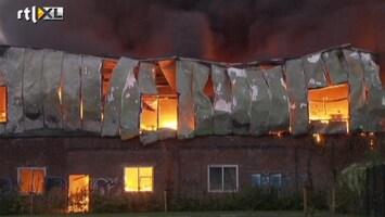RTL Nieuws Enorm veel rook bij grote brand Enschede